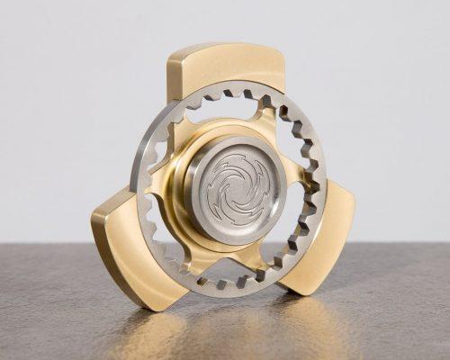 Spinner kim loại